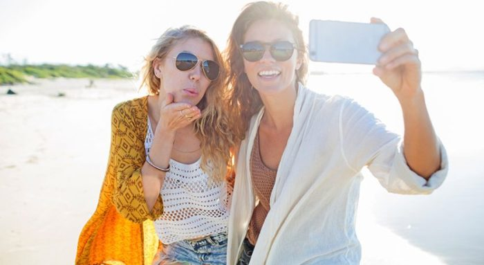 influencer-selfie-CONTENT-2017-840x460.jpg